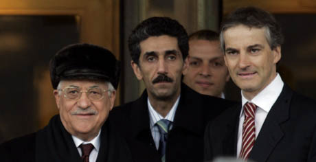Palestinernes president Mahmoud Abbas kom til UD i dag tidlig. (Foto: Cornelius Poppe, Scanpix)