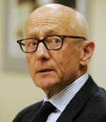 Tidligere statsminister Kåre Willoch advarer mot å stanse støtten til palestinske myndigheter. (Arikvfoto: Erlend Aas, Scanpix)