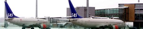 USIKKERT: SAS-ledelsen avviser at den har planer om å la billigselskaper overta norske ruter, men de ansatte frykter likevel for arbeidsplassene sine. (Foto: Håkon Mosvold Larsen / SCANPIX )