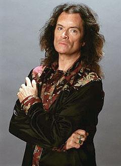 Glenn Hughes har tidligere vært medlem i Deep Purple og Black Sabbath. Til helgen er han om bord på «Stena Saga» for å opptre under tung metall-arrangementet «Rock the Boat». Foto: Promo.