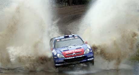 Sebastien Loeb kjører nærmest i en egen klasse i rally Argentina 2006, Foto: REUTERS/Marcos Brindicci