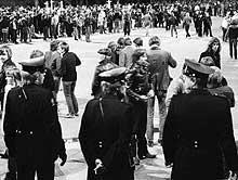 Store politistyrker var forberedt på uroligheter i Oslo natt til 1. mai 1981. (Foto: SCANPIX)