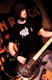 Magnus Anton er FORKs bassist.