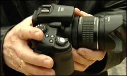 Kamera for mer profesjonelle brukere. Foto: NRK/FBI