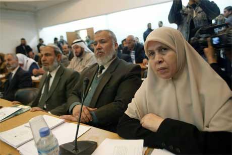 Hamas vant det palestinske valget tidligere i år. Her er Hamas-parlamentarikere samlet i Gaza by. (Arkivfoto: Said Khatib/AFP/Scanpix)