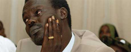 Minni Arcua Minnawi, leder for den største opprørsgruppen, godtar nå fredsavtalen for Darfur. (Foto: Afolabi Sotunde/ Reuters( Scanpix)