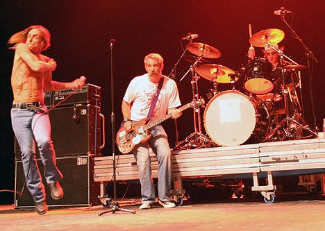 Bergenfest fikk oppleve Iggy Pop gjenforent med The Stooges i Bergenshallen lørdag kveld. Foto: Jørn Gjersøe, nrk.no/musikk.