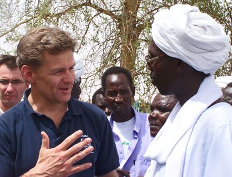 FNs Jan Egeland i Darfur. Foto: AP/Scanpix