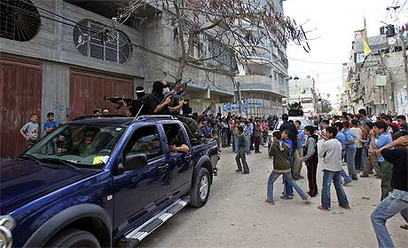 INTERN KRIG: Seneste i går var det sammenstøt mellom tilhengere av Fatah og Hamas i Gaza by. Foto: AFP/Scanpix.