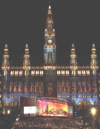 Wiener Festwochen på Rathausplatz