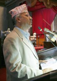 Madhav Kumar Nepal vi frata kongen makten og helst innføre republikk (Scanpix/Reuters)