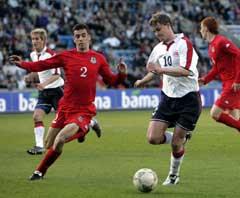 Ole Gunnar Solskjær under sin foreløpig siste landskamp, mot Wales 27. mai 2004. (Foto: Tor Richardsen / SCANPIX)