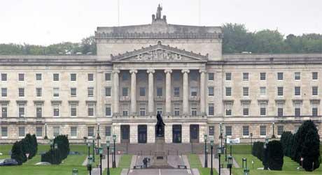 Stormont-bygningen skal fra i dag igjen huse provinsens lovgivende forsamling. (Foto: Peter Morrison/ AP/ Scanpix)