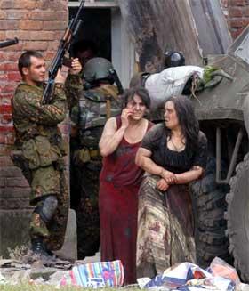 Russiske sikkerhetsstyrker stormet skolen. (Foto: AFP/Scanpix)