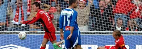 Petter Vaagan Moen utligner til 1-1. (Foto: Marit Hommedal / SCANPIX)