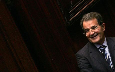 Italias statsminister, Romano Prodi, vil hindre at en mediemogul på same tid kan være statsminister. Foto: REUTERS/ Alessandro Bianchi