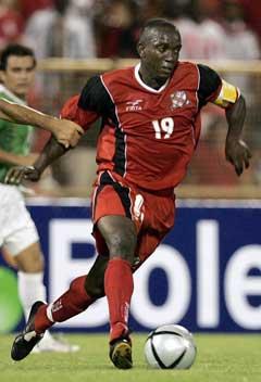 Verken kaptein for Trinidad og Tobago, Dwight Yorke, eller hans landsmenn klarte å overliste Shabaan i VM-debuten. (Foto: AP/Scanpix)