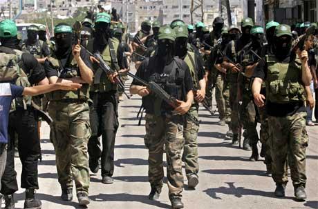 Abbas beordret sine folk på gatene etter at Hamas-regjeringen hadde utplassert sine folk (bildet). (Foto: Mahmud Hams/ AFP/ Scanpix)