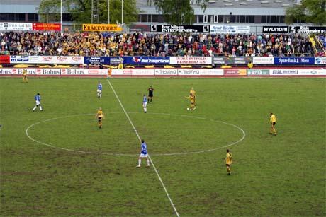 16.mai- oppgjøret på Melløs endte med 4-1 seier til Moss over Sparta Sarpsborg. (Foto: Glenn Thomas Nilsen)