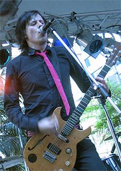 Ken Stringfellow skal spille med det som er igjen av Briskeby under navnet Disciplines. Foto: Kristina Oddestad / www.kenstringfellow.com.