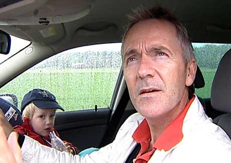 Einar Hareide og sønnen hans slapp unna md skrekken. Foto: Stephan Reis/NRK