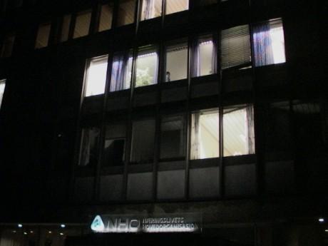 Meklingen fortsatte på overtid hos NHO på overtid på Majorstua i natt. (Foto: Erik Engen.)