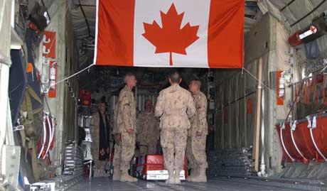 Den 26 år gamle kanadiske kapteinen Nichola Goddard ble drept i Afghanistan i går. Foto: Scanpix/Reuters.