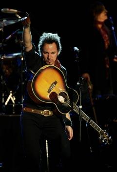Springsteen leverte varene til gangs i Oslo Spektrum lørdag. (Foto: Scanpix)