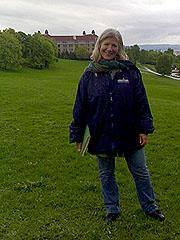 Linken Apall-Olsen ved Oslo Bymuseum er opptatt av å bevare de grønne lungene i Oslo. Foto: Sjur Sætre, NRK