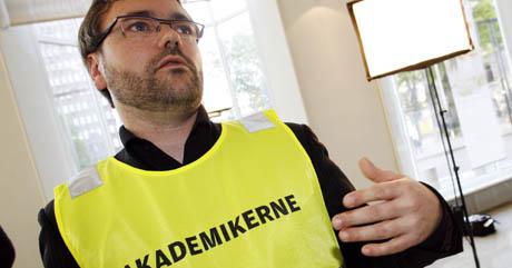 Knut Aarbakke og Akademikerne er allerede ute i streik - i første omgang streiker jurister og veterinærer. (Foto: Erik Johansen, Scanpix)