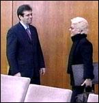 Et ublidt møte i Beograd mellom Carla Del Ponte og Vojislav Kostunica (Foto: EBU)