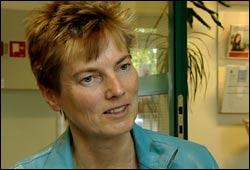 Toril Nakstad slet med sosial angst i mange år. Hun er nå i full jobb. Foto: NRK, Silje Østmoe