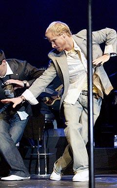 Brian Littrell i aksjon på scenen med Backstreet Boys. Foto: Scanpix.