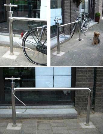 Dette sykkelstativet med innebygd sykkelpumpe er utplassert flere steder i Nederland.