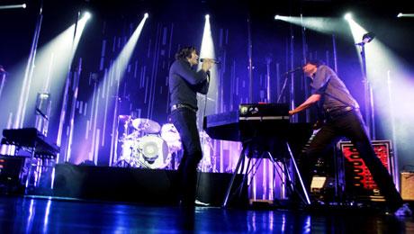 """Keane spilte nylig for en fullsatt sal i Sentrum Scene i Oslo. Publikum fikk høre mange av låtene på det nye albumet, samt hits fra Keanes første album, """"Hopes and fears"""". (Foto: Scanpix)"""