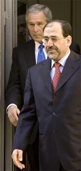 USAs president George W. Bush møtte Iraks statsminister Nouri al-Maliki i USAs ambassade i Bagdad i dag. (Foto: Paul J. Richards/AFP/Scanpix)