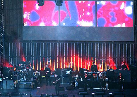 Roger Waters på Norwegian Wood onsdag. NRK fikk ikke ta bilder nærmere enn dette. Foto: Arne Kristian Gansmo, NRK.
