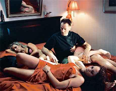 Howard Spence (Sam Shepard) våkner opp etter en natt på byen ... Foto: Oro Film