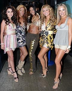 Danity Kane, (f.v.): Aundrea Fimbres, Dawn Richard, Wanita «D. Woods» Woodgett, Aubrey O'Day og Shannon Bex, er med i MTVs «Making the Band 3». De lanseres nå som nye «Spice Girls». Foto: AP Photo.