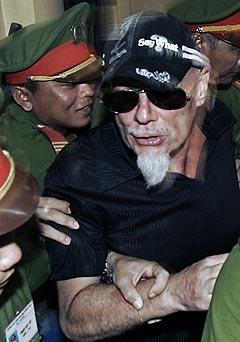 Den tidligere britiske glamrockeren Gary Glitter tapte ankesaken i Vietnam torsdag. Glitter er dømt til tre års fengsel for seksuelt misbruk av barn. Foto: AFP Photo / Scanpix.