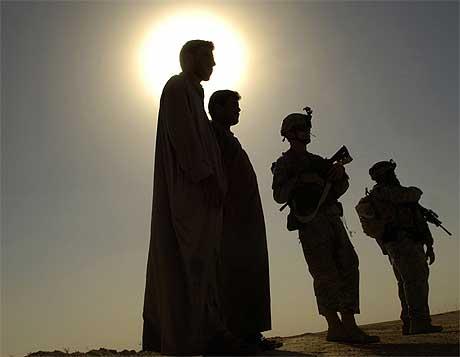 Amerikansk vaktpost ved Tal Afar, nord i Irak, 39 mil nord for Bagdad. Foto: Retuers/Scanpix.