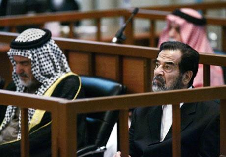 Iraks påtalemyndighet krever dødsstraff for Saddam Hussein (Foto: Reuters/SCANPIX)