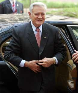 President Valdas Adamkus har problem med å finne ein statsminister parlamentet vil godta. (Foto: AFP/Scanpix)