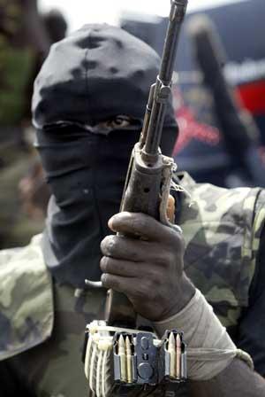 Militante skal ha kidnappet to oljearbeidere i Niger-deltaet. Foto: AP/Scanpix