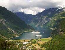 Populært turistmål: Geiranger (Foto: SCANPIX)