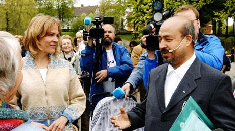 Bokhandler Shah Muhammed Rais møtte Åsne Seierstad og hennes foreldre under Litteraturfestivalen i Lillehammer. (Arkivfoto: Erik Lindholm Hansen, Gudbrandsdølen Dagningen/Scanpix)