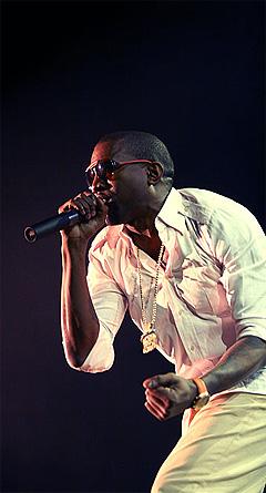Kanye West var strålende opplagt på den Orange Scene. Foto: Arne Kristian Gansmo, NRK.