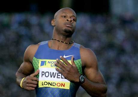Asafa Powell vant i London. (Foto: AP/Scanpix)