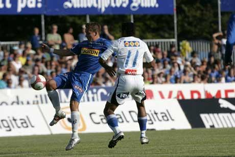 Sandefjords Andreas Tegstrøm mot Stabæks Mike Kjølø. (Foto: Terje Bendiksby / SCANPIX)