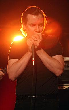 Jeff Healeys keyboardist og munnspillmann Dave Murphy var med på å gjøre kvelden til en suksess. Foto: Jørn Gjersøe, NRK.